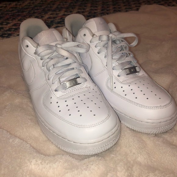 Air Force I women's size 10, men's size 8.